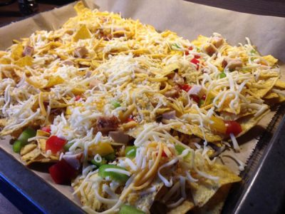 baked cheesy nachos