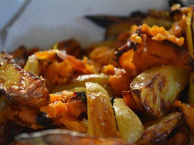 mixed potato wedges